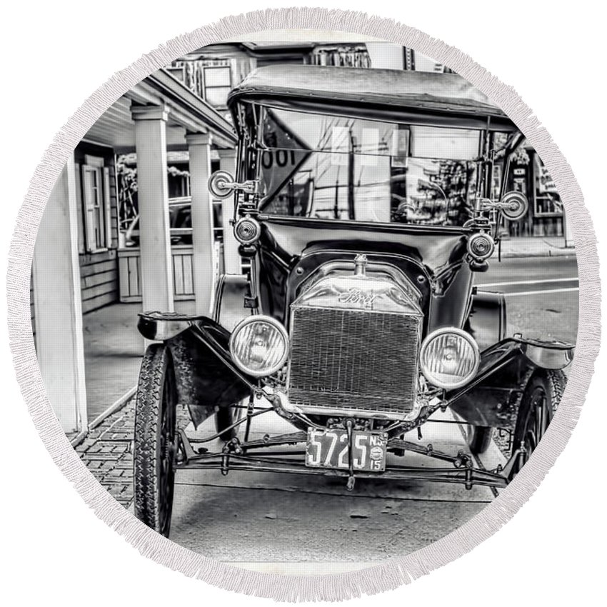 Recent Round Beach Towel featuring the photograph Englishtown New Jersey Antique Classic Car by Geraldine Scull