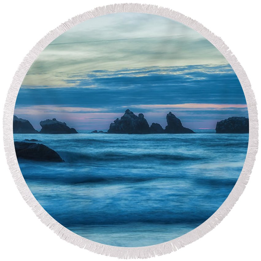 Landscape Round Beach Towel featuring the photograph Enter The Dragon by Jonathan Nguyen