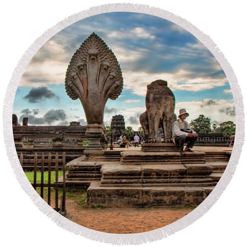 Angkor Wat Round Beach Towel featuring the photograph Entrance To Angkor Wat by Chuck Kuhn