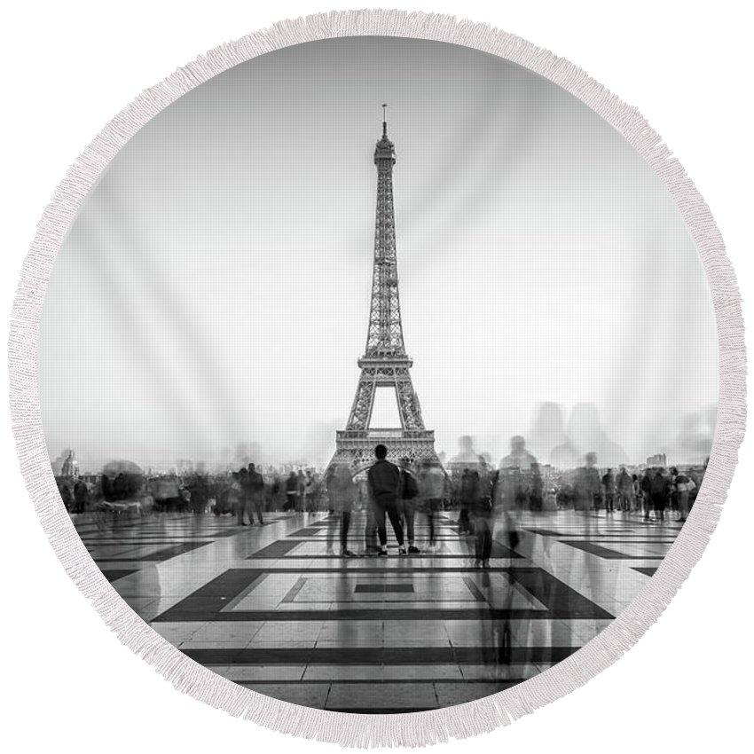 Paris Round Beach Towel featuring the photograph Esplanade Du Trocadero by Delphimages Photo Creations