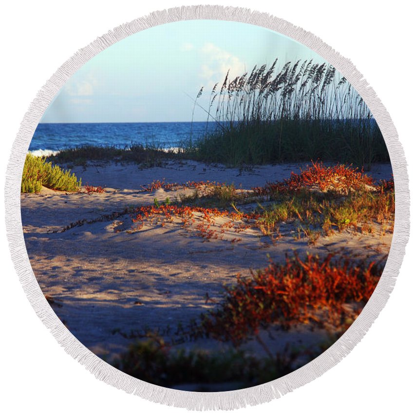 Beach Round Beach Towel featuring the photograph Evening Light At The Beach by Susanne Van Hulst