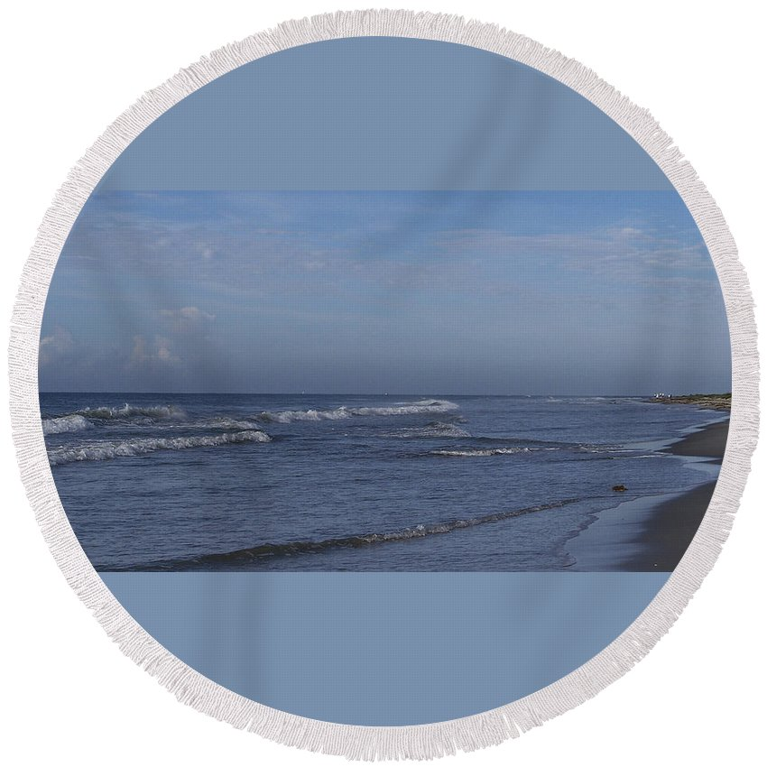 Ocean Round Beach Towel featuring the photograph Evening On The Beach by Teresa Mucha