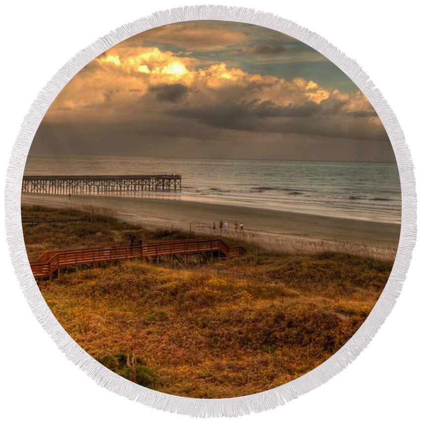 Outdoors Round Beach Towel featuring the photograph Evening Skies by Paulette B Wright