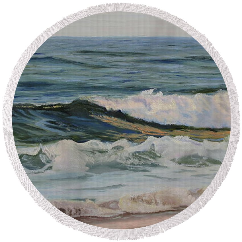 Seascape Round Beach Towel featuring the painting Evening Waves by Lea Novak