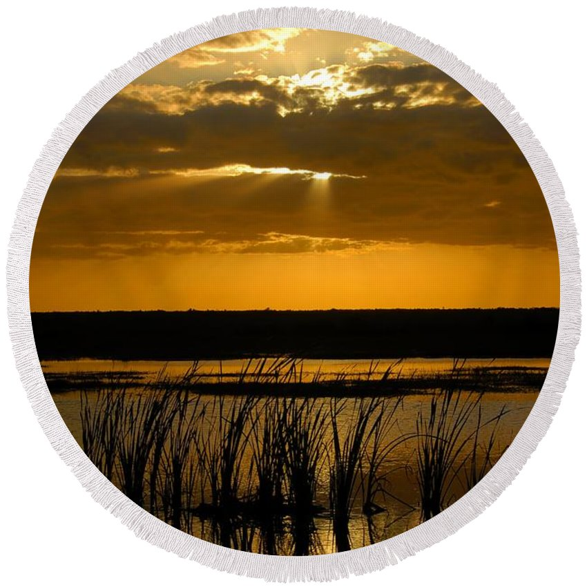 Everglades National Park Florida Round Beach Towel featuring the photograph Everglades Evening by David Lee Thompson