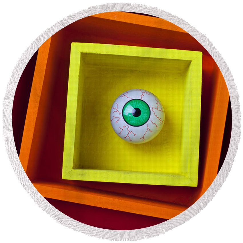 Eye Round Beach Towel featuring the photograph Eye In The Box by Garry Gay