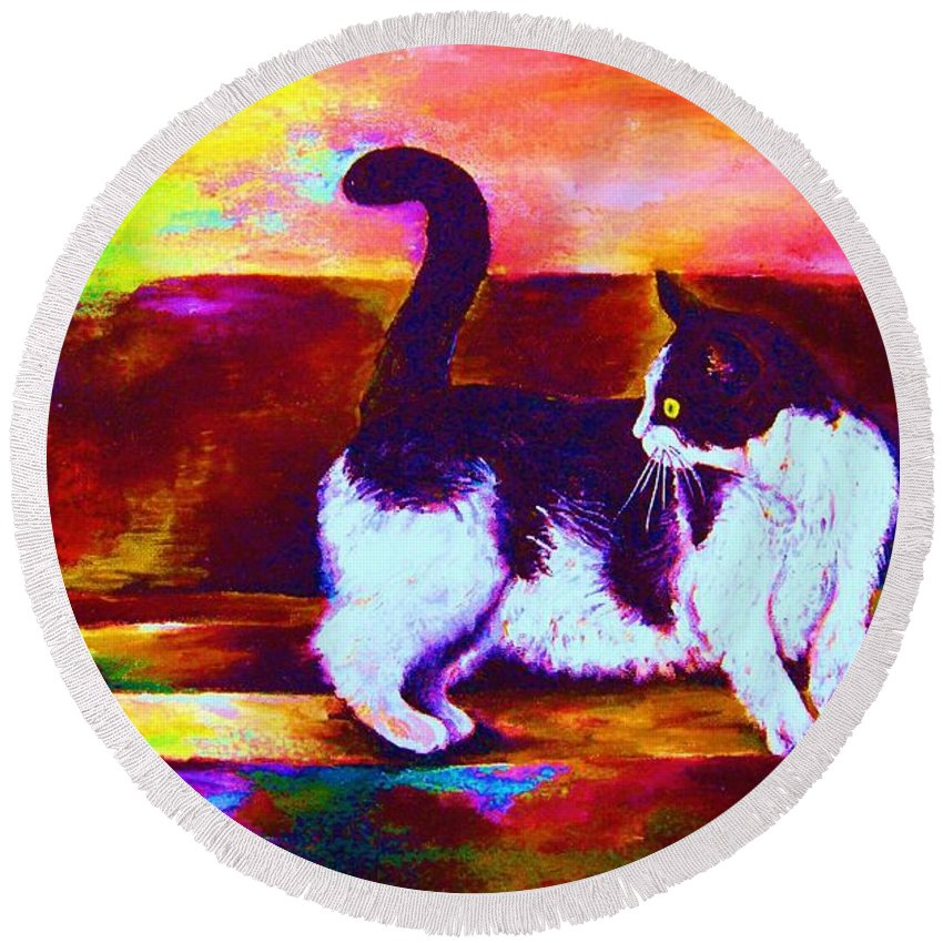 Cats Round Beach Towel featuring the painting Eye On The Prize by Carole Spandau