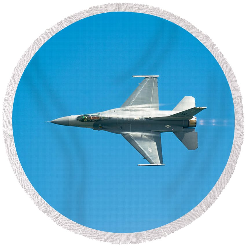 Major David Graham Round Beach Towel featuring the photograph F-16 Full Speed by Sebastian Musial