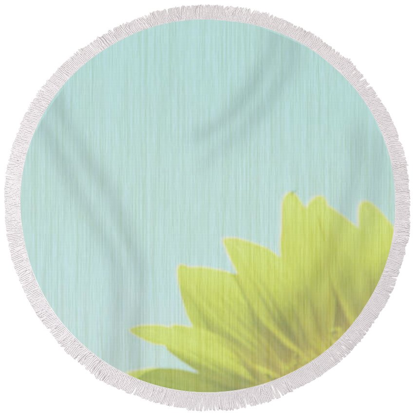 Sunflowers Round Beach Towel featuring the photograph Faded by Amanda Barcon