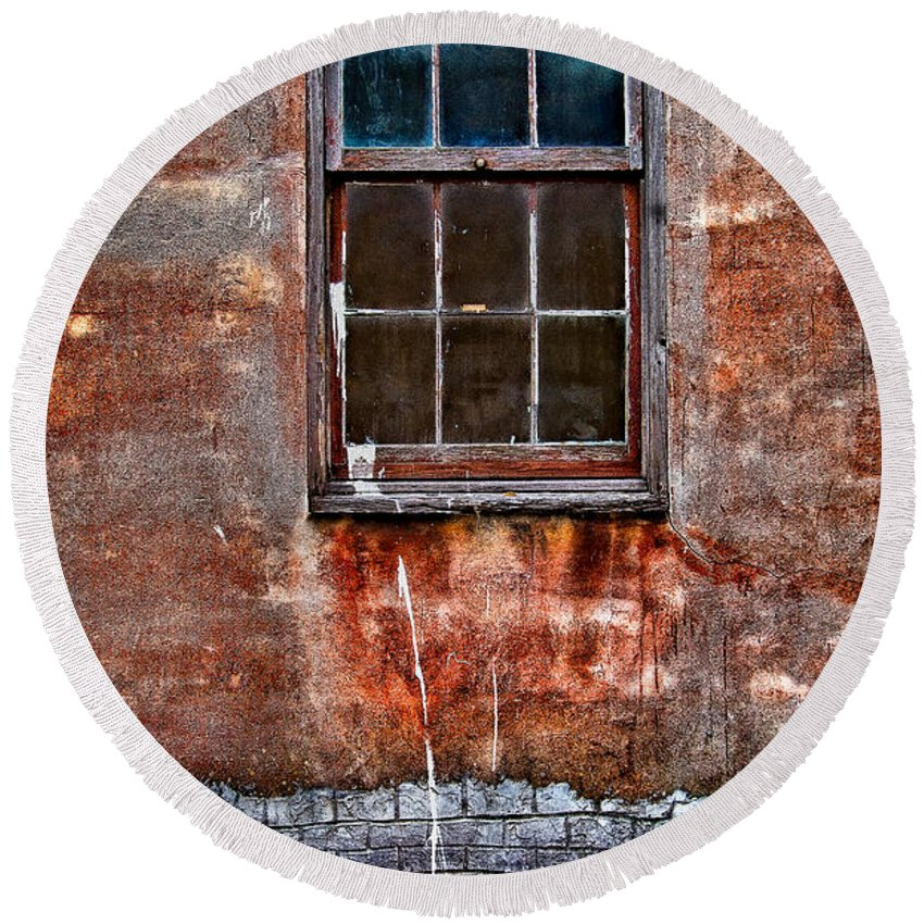 Window Round Beach Towel featuring the photograph Faded Over TIme by Christopher Holmes