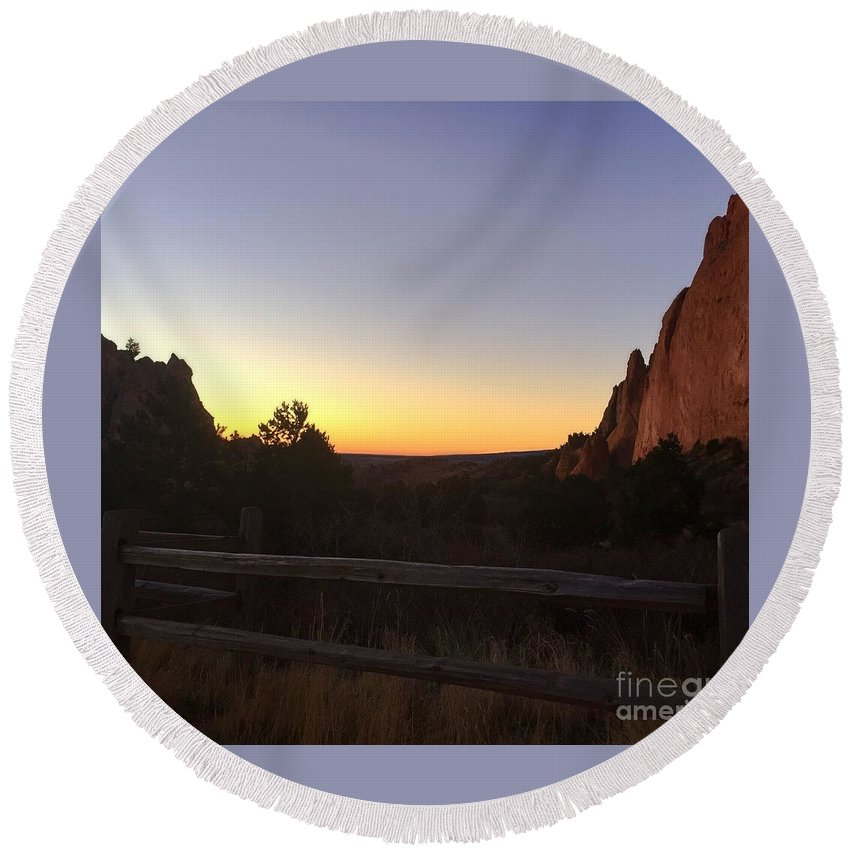Garden Of The Gods Round Beach Towel featuring the photograph Garden Sunrise by M Welch