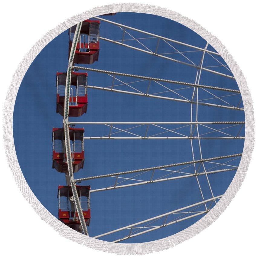 Chicago Windy City Ferris Wheel Tourist Tourism Travel Attraction Round Beach Towel featuring the photograph Ferris Wheel by Andrei Shliakhau