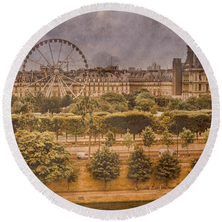 Paris Round Beach Towel featuring the photograph Paris, France - Ferris Wheel by Mark Forte