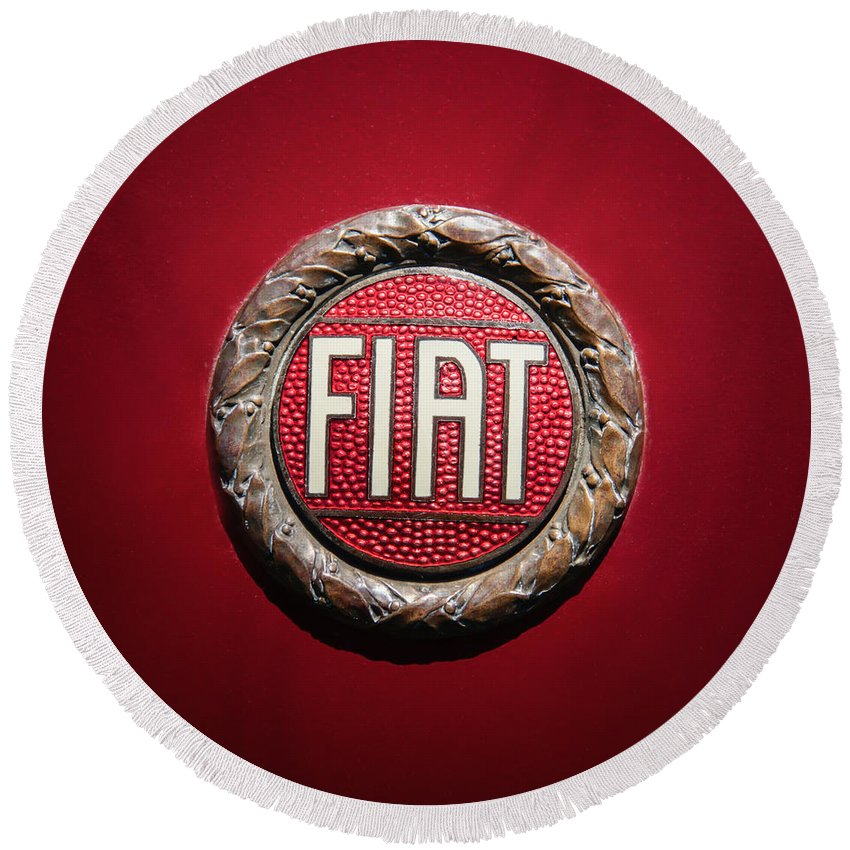 Fiat Emblem Round Beach Towel featuring the photograph Fiat Emblem -1621c by Jill Reger