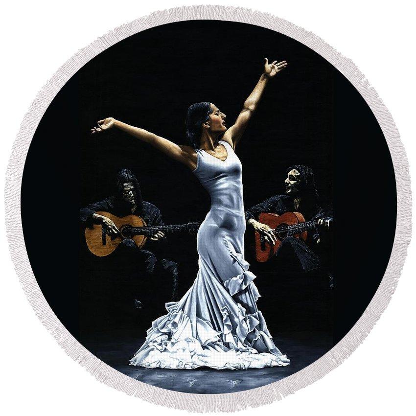 Flamenco Round Beach Towel featuring the painting Finale del Funcionamiento del Flamenco by Richard Young
