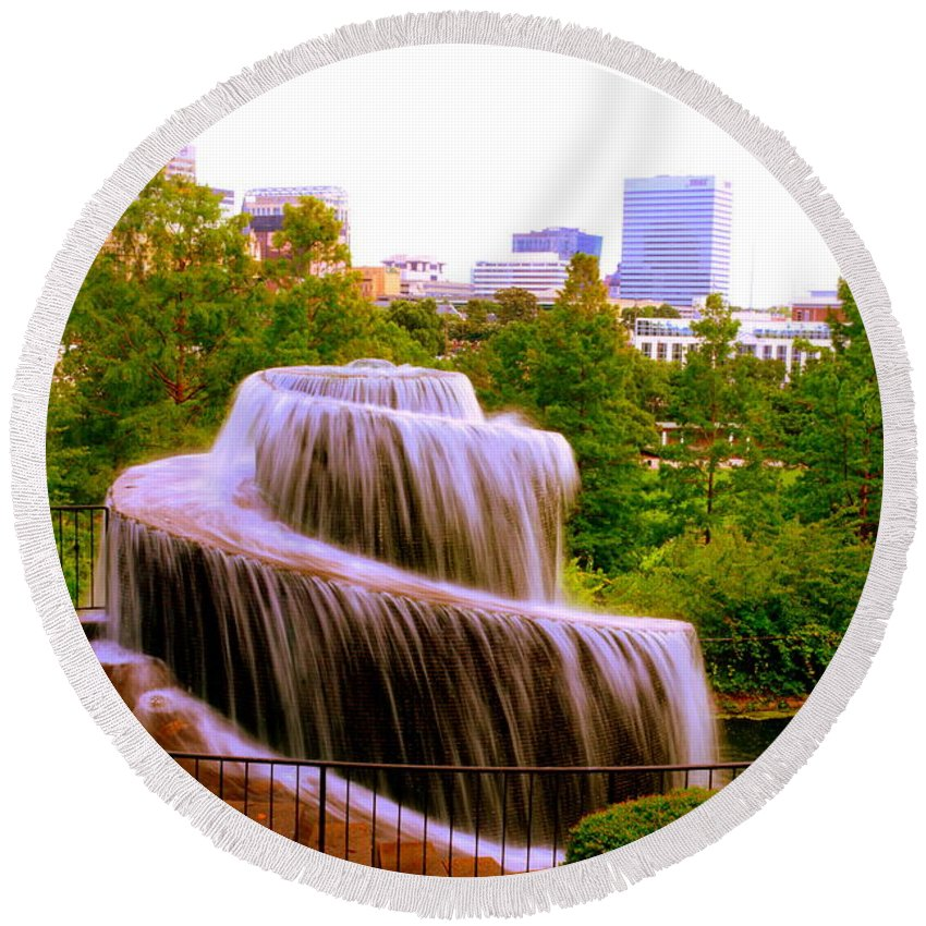 Finlay Park Fountain Round Beach Towel featuring the photograph Finlay Park Fountain Summertime by Lisa Wooten