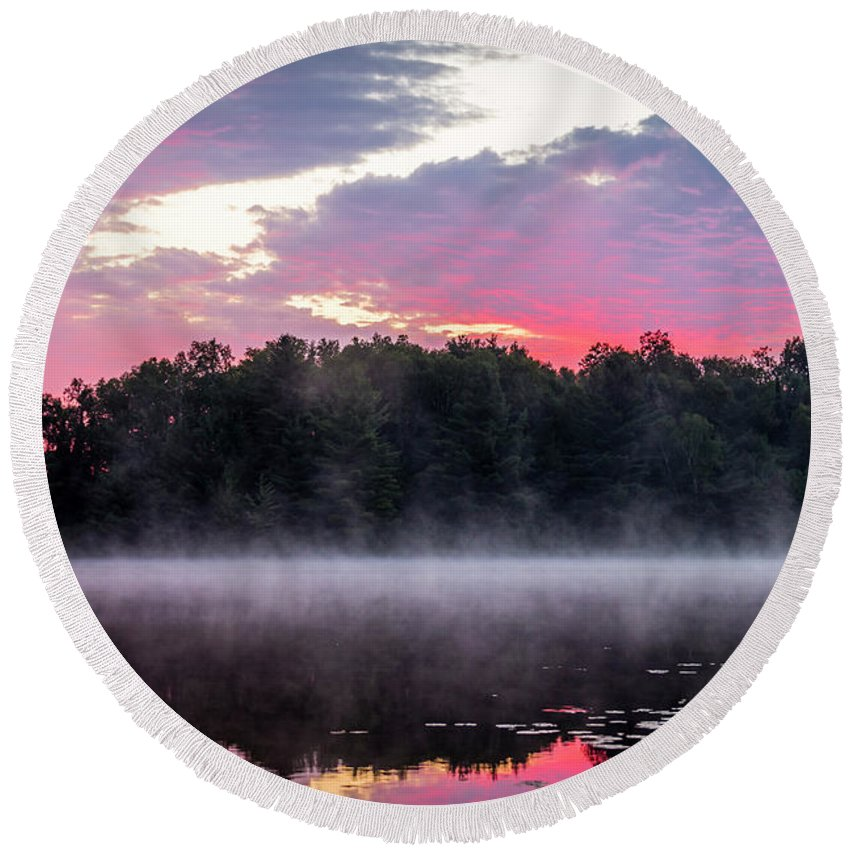 Wi Round Beach Towel featuring the photograph Fire Island by Todd Reese