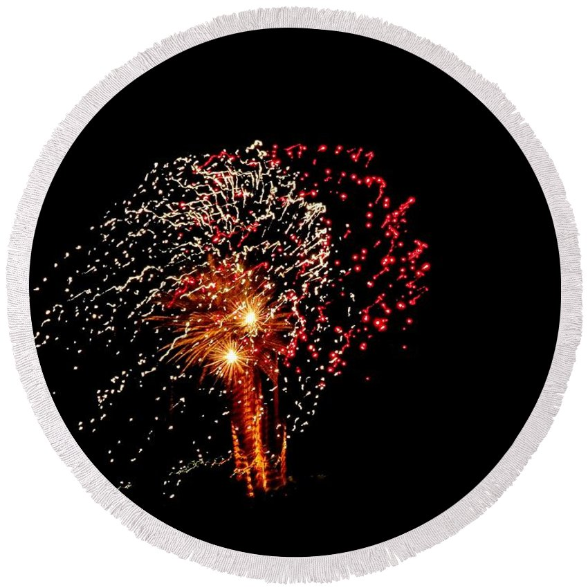Fireworks Round Beach Towel featuring the photograph Fireworks 14 by Scenic Sights By Tara