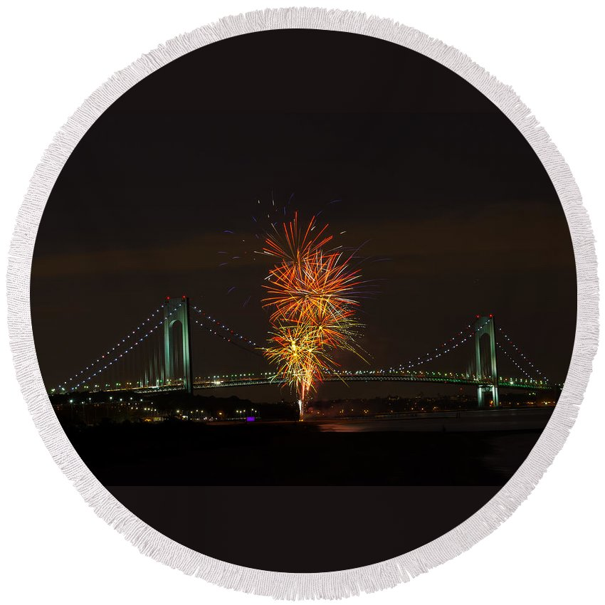 Exploding Fireworks Over Bridge Round Beach Towel featuring the photograph Fireworks Over The Verrazano Narrows Bridge by Kenneth Cole