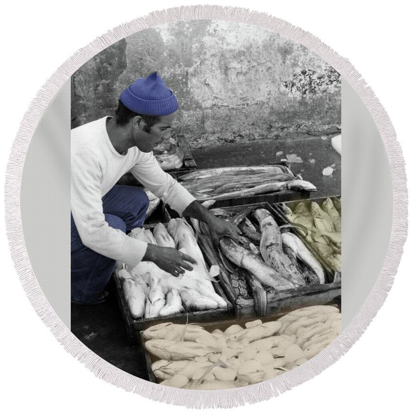Tangier Round Beach Towel featuring the photograph Fisherman by Mark Alesse