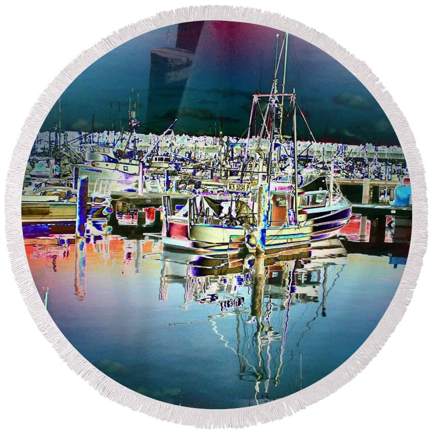 Seattle Round Beach Towel featuring the photograph Fishermans Terminal 3 by Tim Allen