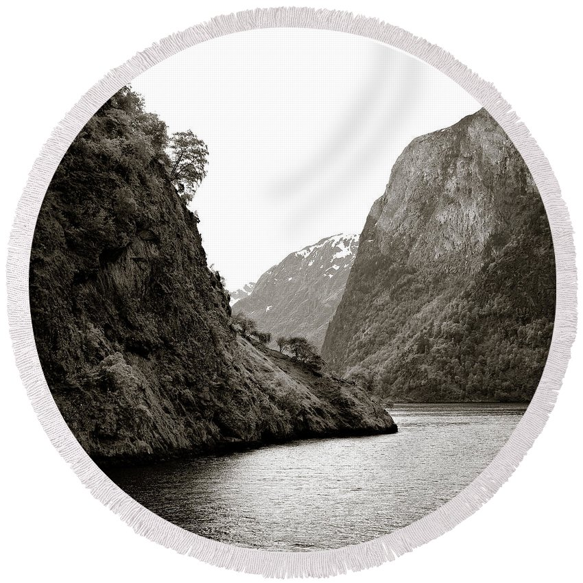 Norway Round Beach Towel featuring the photograph Fjord Beauty by Dave Bowman
