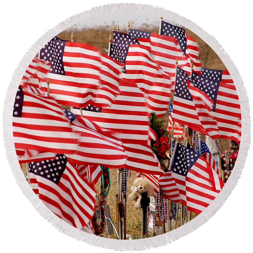 Flags Round Beach Towel featuring the photograph Flight 93 Flags by Jean Macaluso