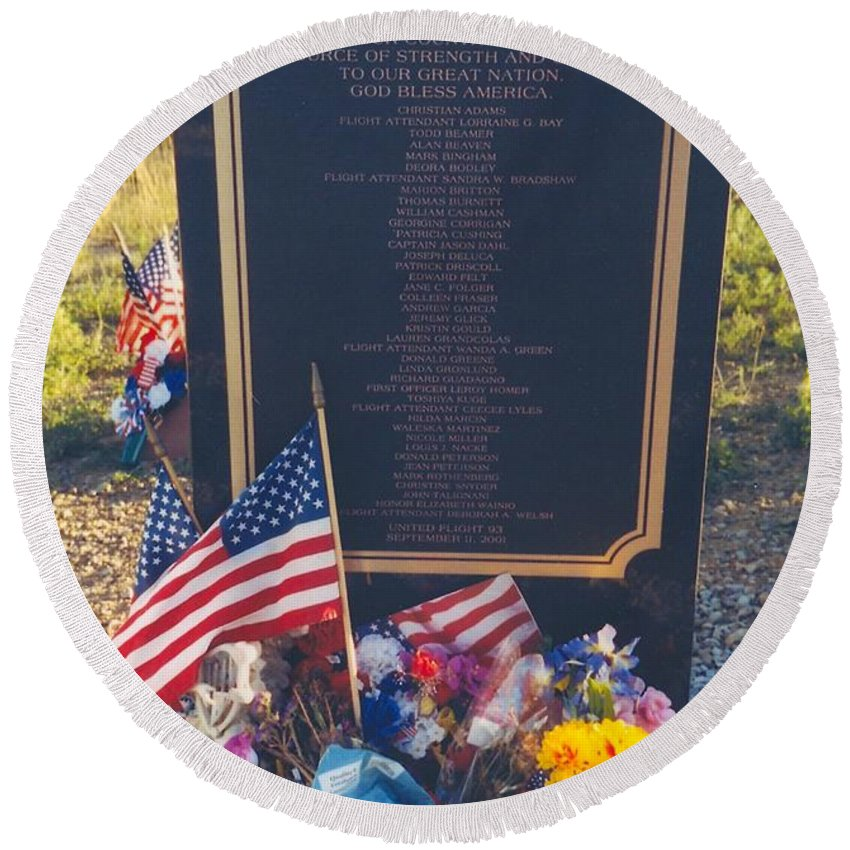 Flight 93 Heros Round Beach Towel featuring the photograph Flight 93 Heros by Penny Neimiller