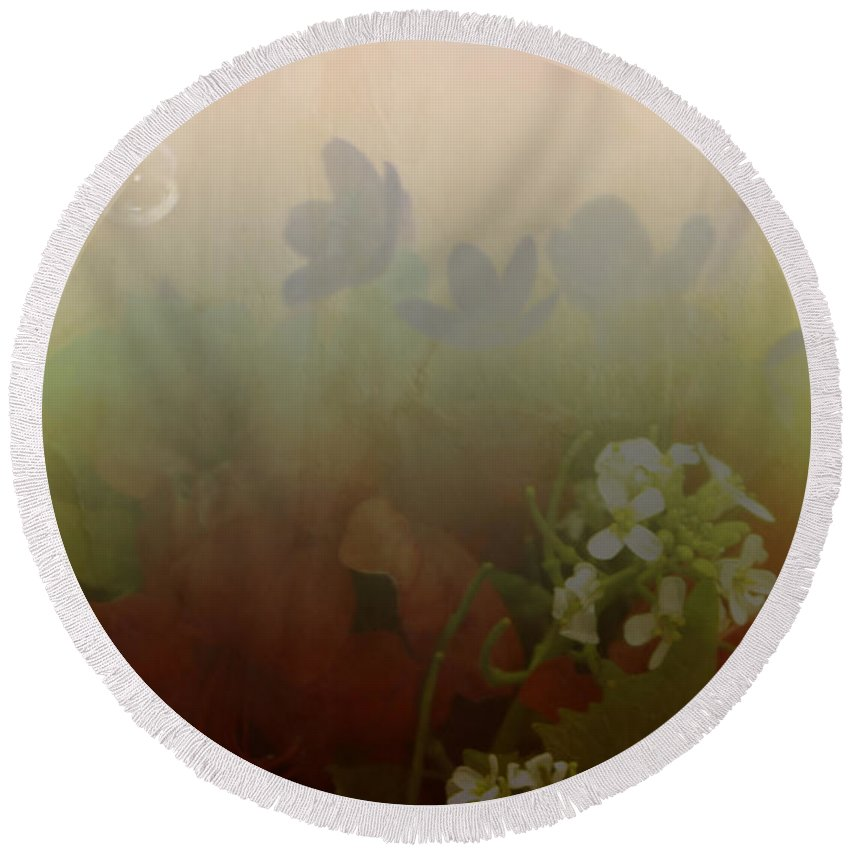Bubble Round Beach Towel featuring the photograph Floating Bubble by Scott Wyatt