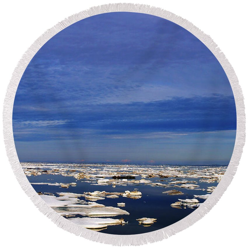 Alaska Round Beach Towel featuring the digital art Floating Ice by Anthony Jones
