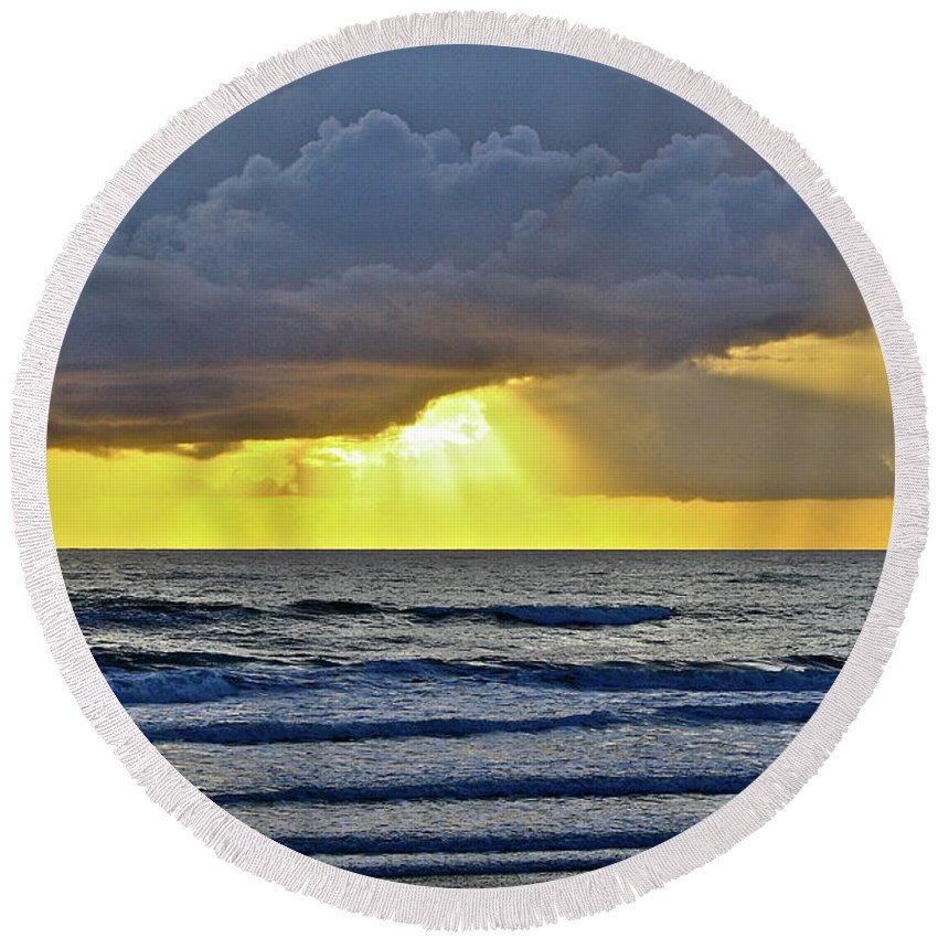 Ocean Round Beach Towel featuring the photograph Florida Morning by Diana Hatcher