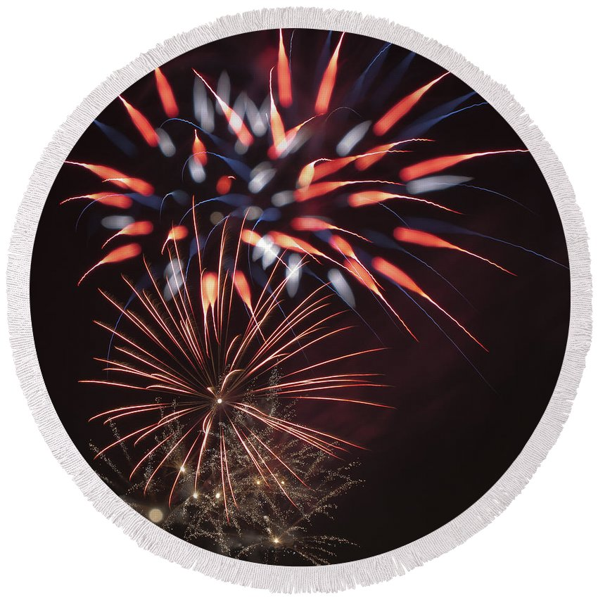 Fireworks Round Beach Towel featuring the photograph Flowerworks #5 by Sandy Swanson
