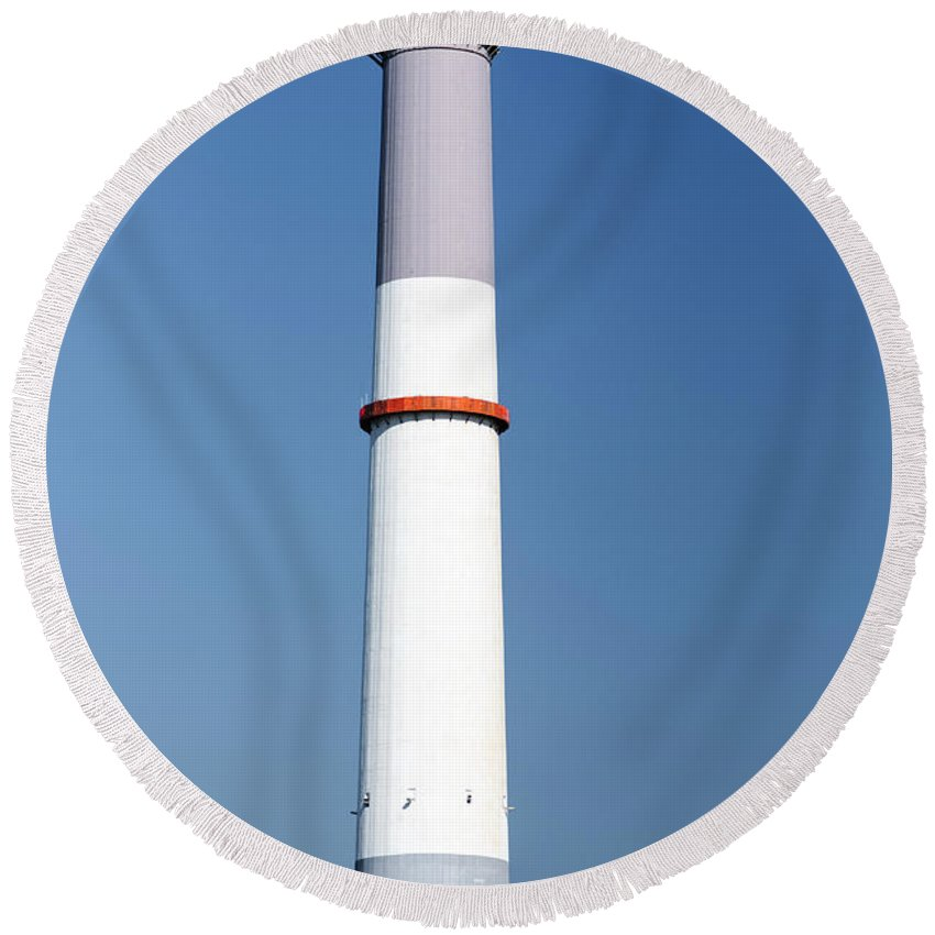 Flue Round Beach Towel featuring the photograph Flue Of The Reading Power Station by Ilan Rosen
