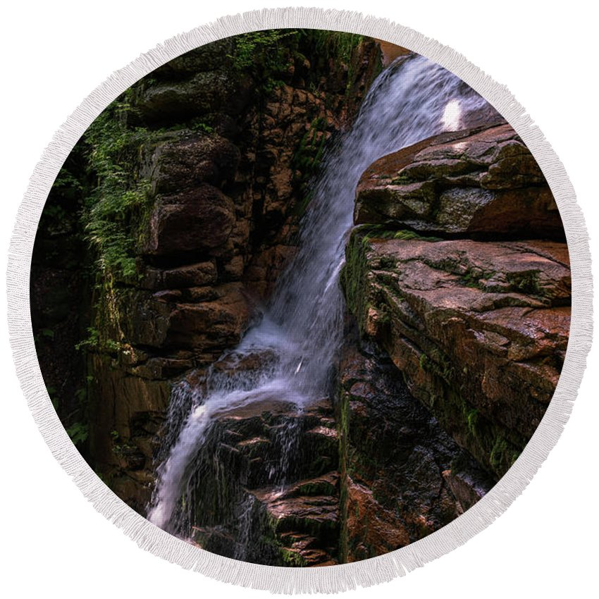 Flume Round Beach Towel featuring the photograph Flume Gorge Waterfall by Sherman Perry