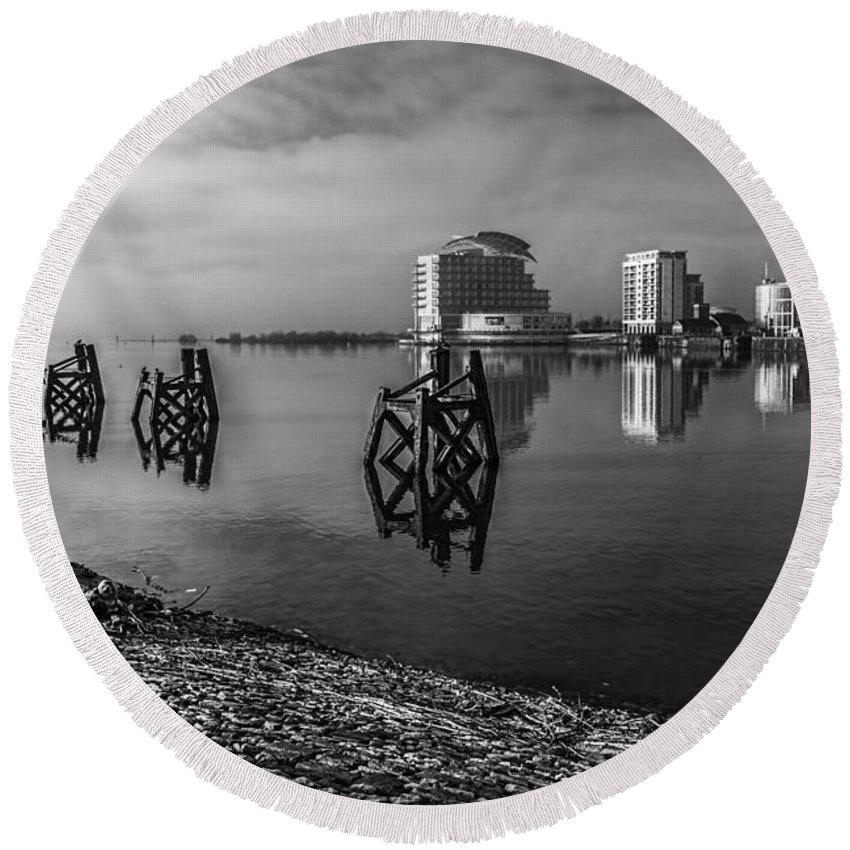 Cardiff Bay Round Beach Towel featuring the photograph Fog In The Bay 1 Mono by Steve Purnell