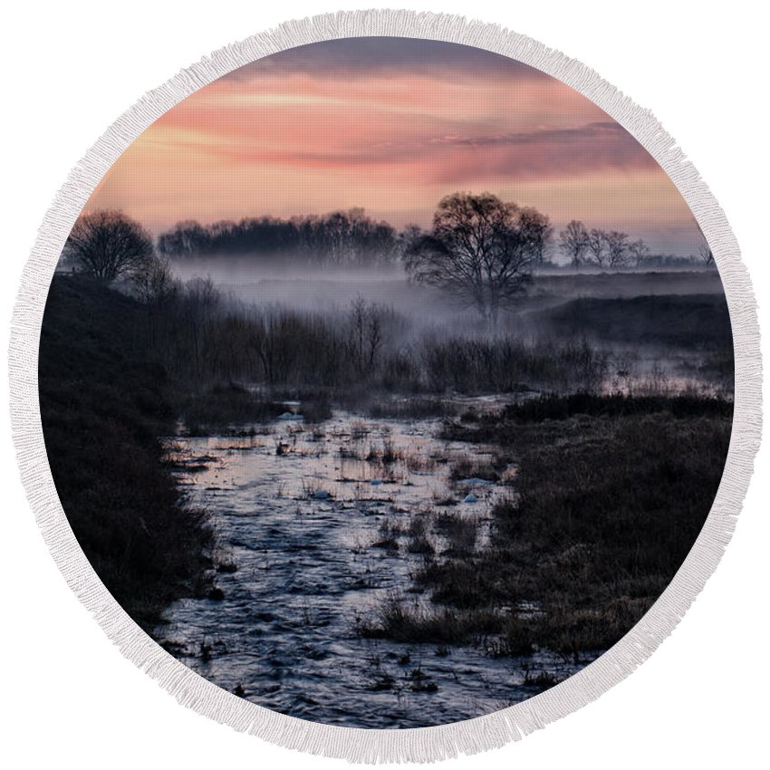 Brownhills Round Beach Towel featuring the photograph Foggy Sunrise At Chasewater by Rawshutterbug