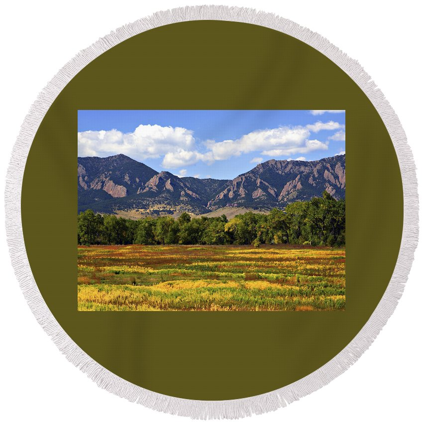 Fall Round Beach Towel featuring the photograph Foothills Of Colorado by Marilyn Hunt