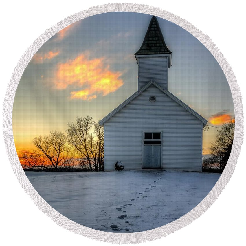 Church Round Beach Towel featuring the photograph Footprints In The Snow by Mark McDaniel