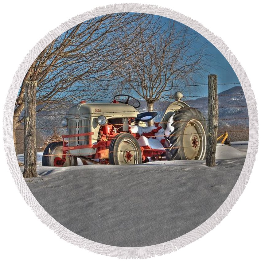 Ford Tractor Round Beach Towel featuring the photograph Ford Tractor by Todd Hostetter