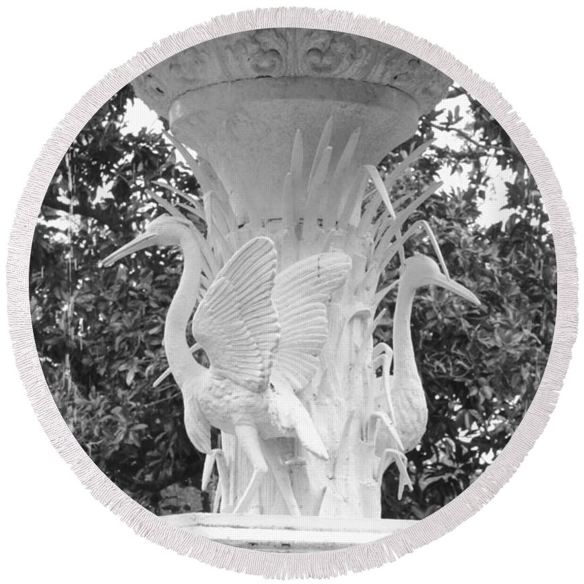 Fountain Round Beach Towel featuring the photograph Forsyth Park Fountain - Black And White 4 2x3 by Carol Groenen