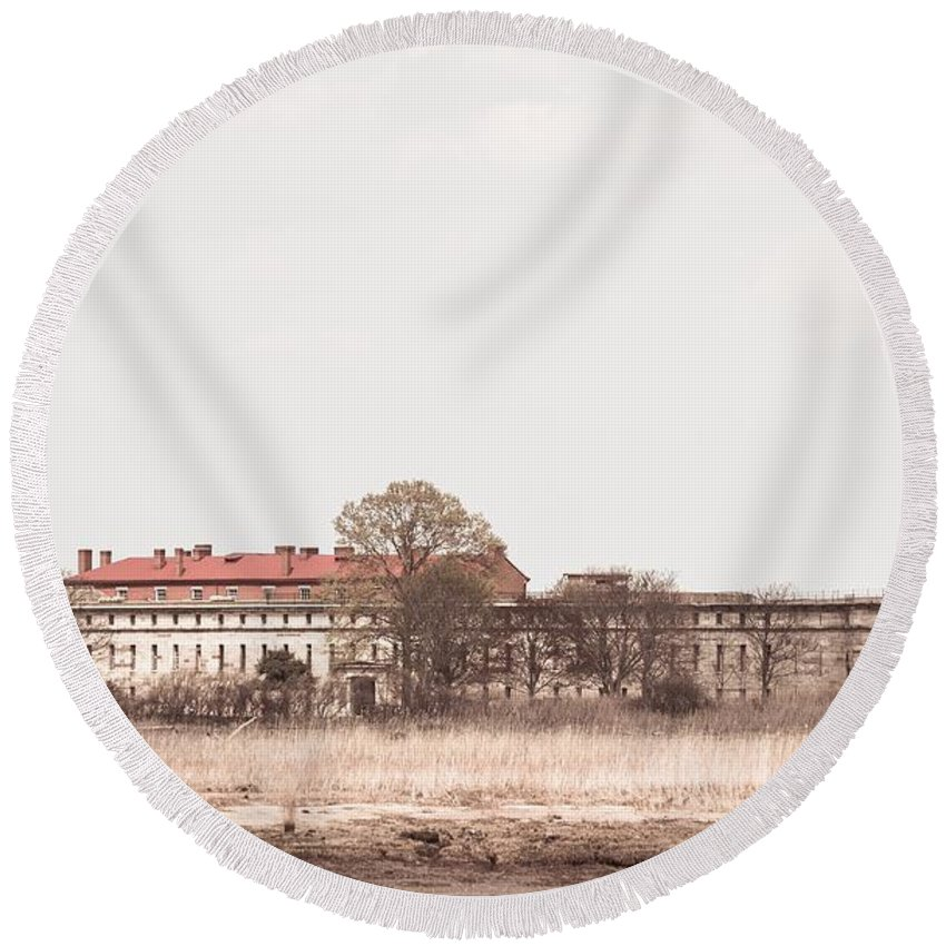 Forts Round Beach Towel featuring the photograph Fort Delaware by Susan Derrickson Hanna