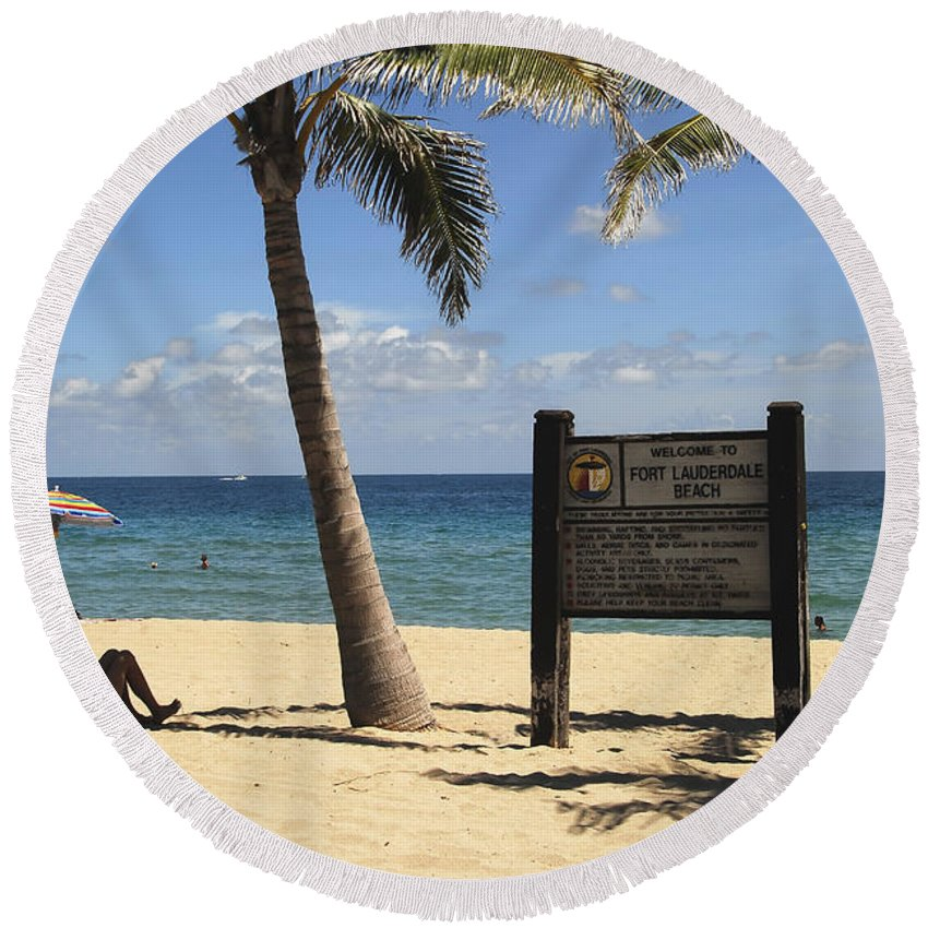 Fort Lauderdale Beach Florida Round Beach Towel featuring the photograph Fort Lauderdale Beach by David Lee Thompson