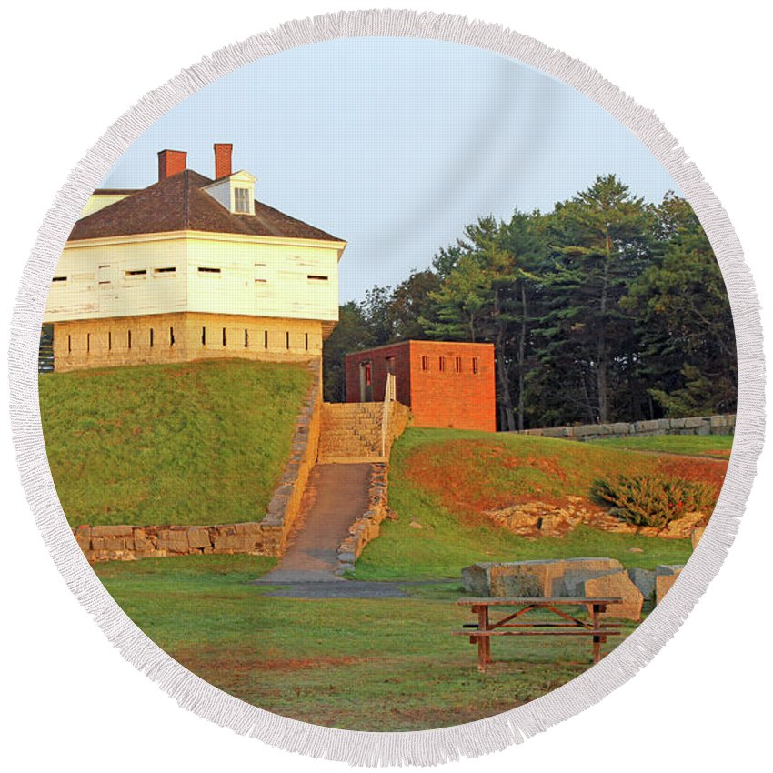 Maine Round Beach Towel featuring the photograph Fort Mcclary, Kittery Point, Maine by Steve Gass