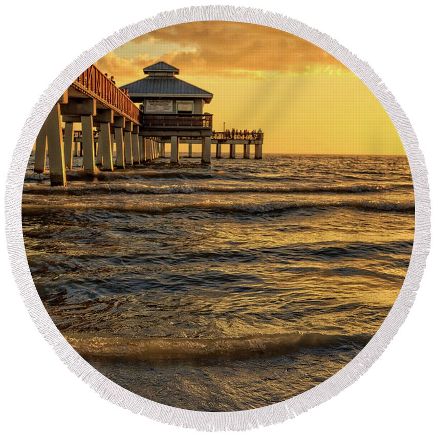 Fort Myers Beach Fishing Pier At Sunset Round Beach Towel