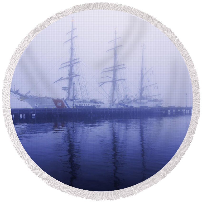 Ship Round Beach Towel featuring the photograph Framed In Fog by Joe Geraci