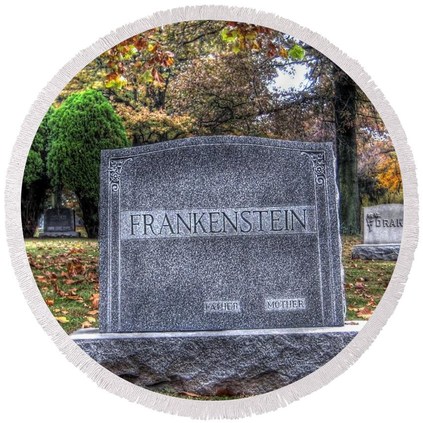 Hdr Round Beach Towel featuring the photograph Frankenstein by Jane Linders