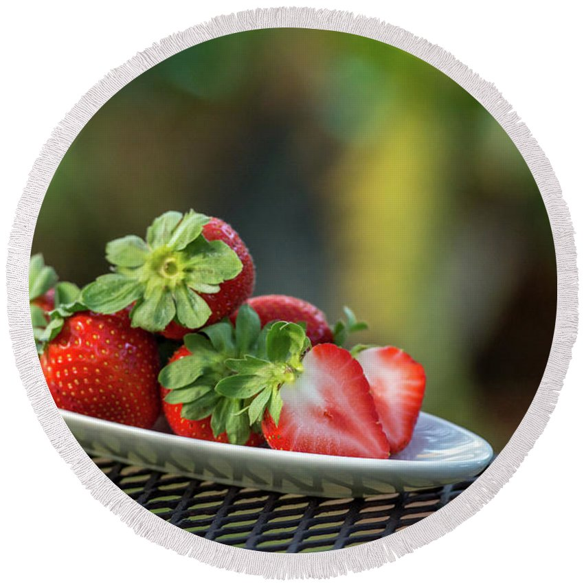 Strawberry Round Beach Towel featuring the photograph Fresh Strawberries by Gabrielle Harrison