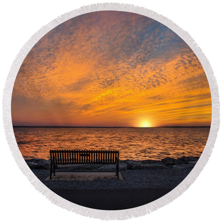 Sunset Round Beach Towel featuring the photograph Front Row Seat by Robin-Lee Vieira