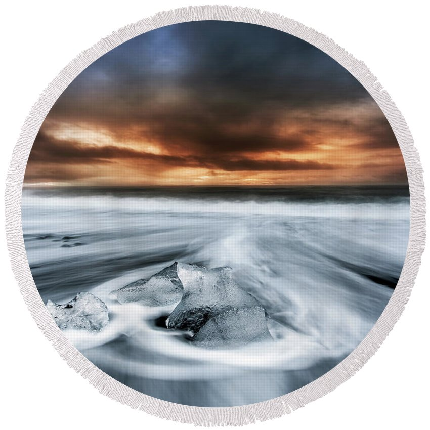 Iceland Round Beach Towel featuring the photograph Frosty Beach by Jorge Maia