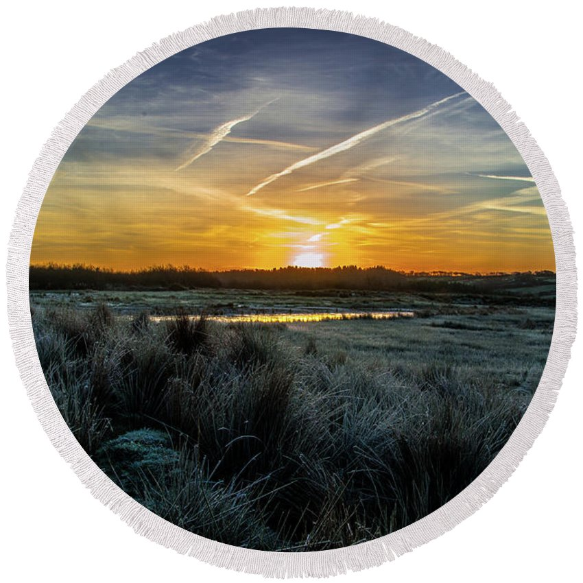 Sunrise Round Beach Towel featuring the photograph Frosty Sunrise by Stephen Jenkins